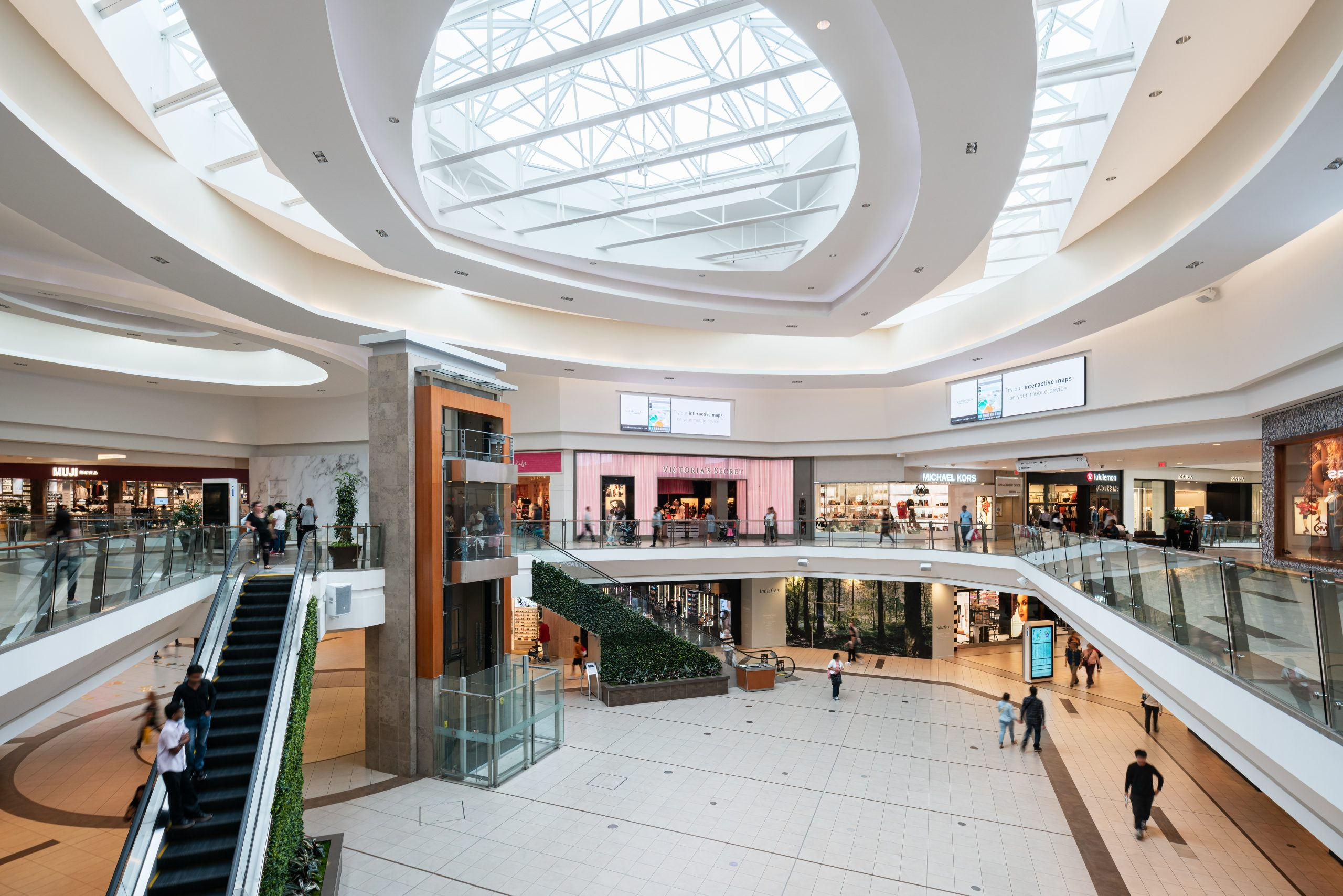 Scarborough Town Centre - Toronto, ON, Centre Court, People shopping